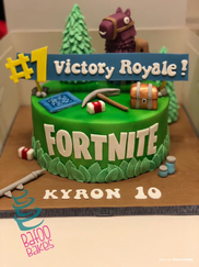 Victory Royal Fortnite Cake